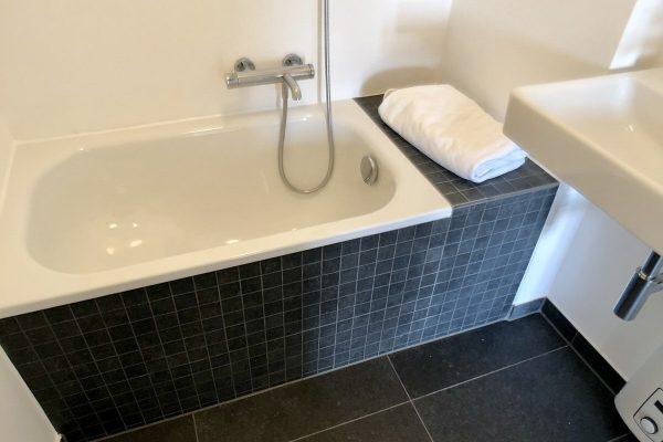 Badezimmer Dusche Fliesen Badewanne
